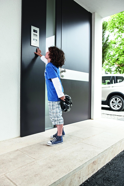 ein panel zur steuerung von knx anlage und. Black Bedroom Furniture Sets. Home Design Ideas
